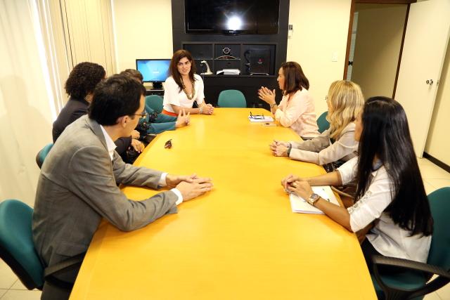 Frente Parlamentar de Direitos da Mulher da Assembleia Legislativa de Sergipe  em visita ao TJSE (Foto: TJSE)
