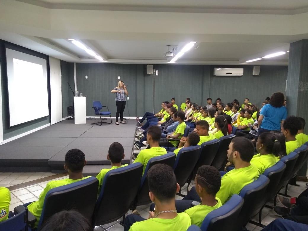 IOficina com alunos do Instituto Luciano Barreto Jr.